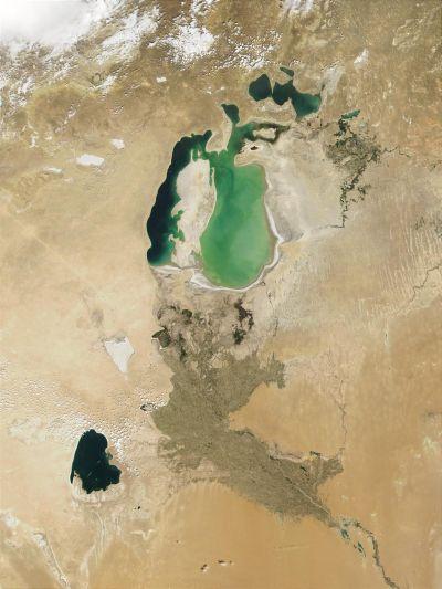 La mer d'Aral en 2001